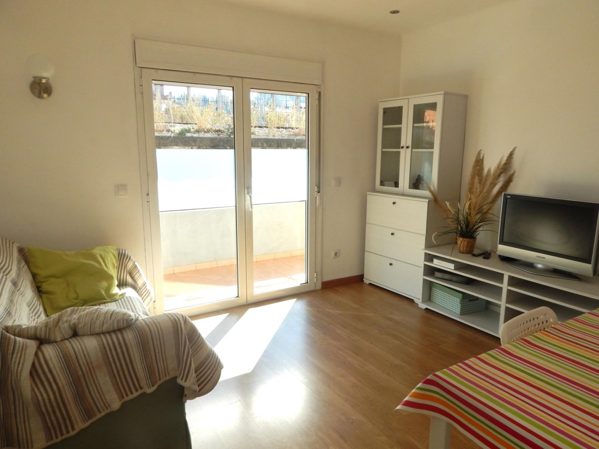 Spacious holiday apartment with 3 bedrooms, fully equipped kitchen and dining room with balcony