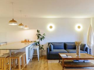 Living room and dining room - Rental apartment in Sant Jordi Desvalls, Diana, Girona