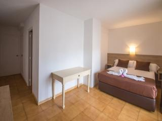 Girorooms Travel Hotel Hipica Park - Costa Brava - 3