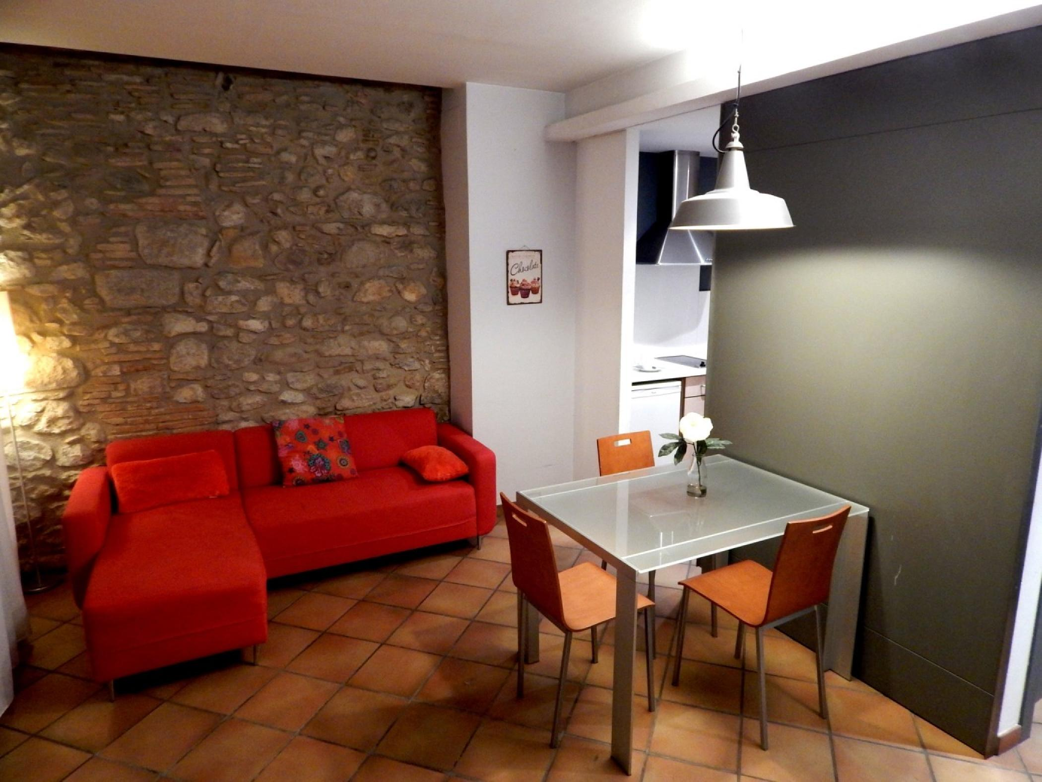 Rent Apartment in Girona - Girona Loft Muralla 2 - 1