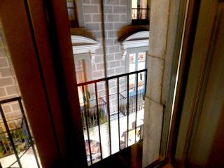 Rent Apartment in Girona - Girona Loft Muralla 2 - 2