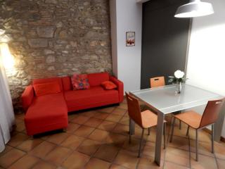 Rent Apartment in Girona - Girona Loft Muralla 2 - 4
