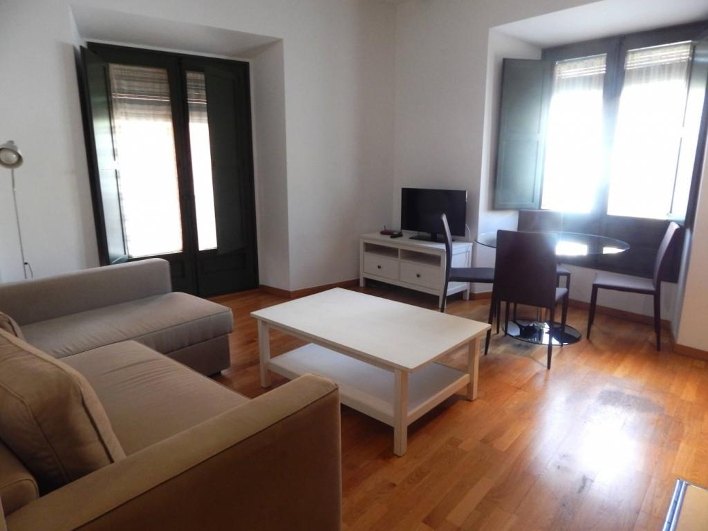 Rent Apartment in Girona - Girona Pou Rodó 22 - 1