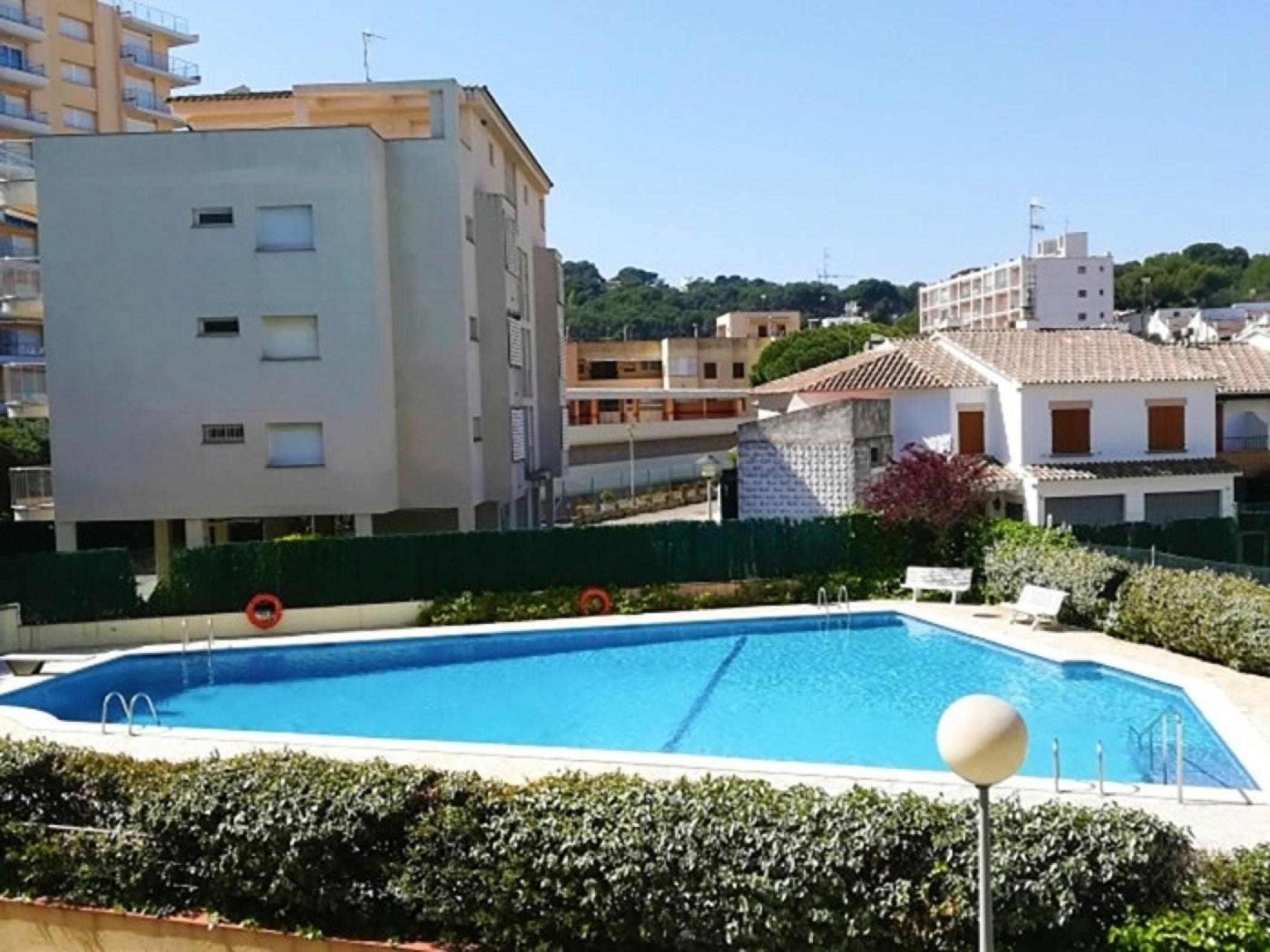 Rent Apartment with Swimming pool in Sant Antoni de Calonge - Complexe Canigó amb piscina i 1º linea de mar - 1
