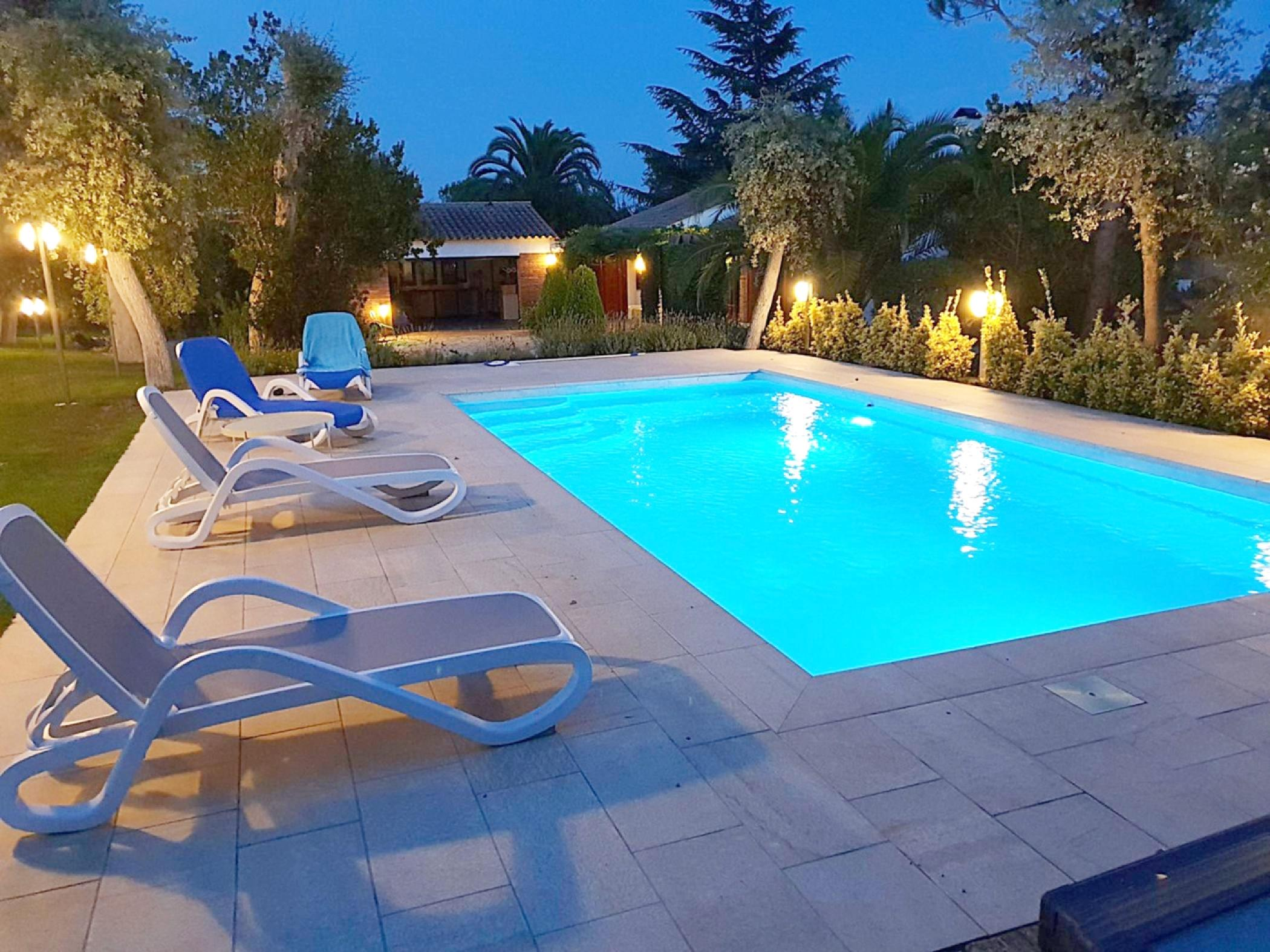 Rent Villa with Swimming pool in Caldes de Malavella - Villa a Caldes de Malavella Molins - 2