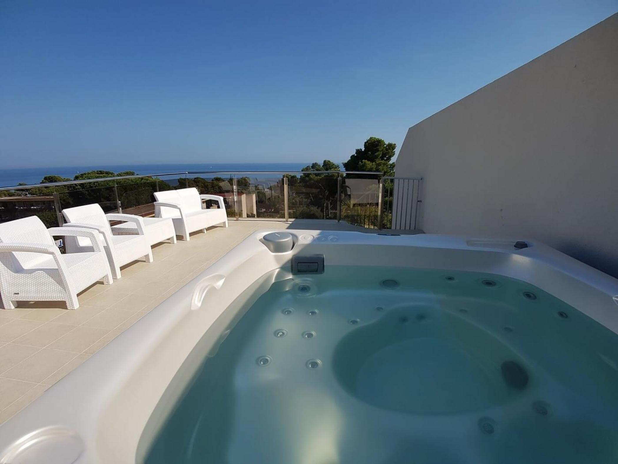Rent Villa with Swimming pool in Platja d'Aro - Girorooms Travel Calma Holiday Villas jacuzzi 11 - 25
